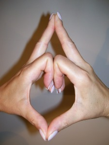 kalesvara mudra for reducing anxiety and increasing memory
